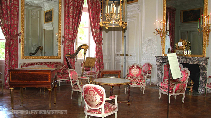 The Queen's 'Salon de compagnie' where friends would be entertained.