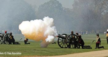 Queen-89-Birthday 41 gun salute in Hyde Park,